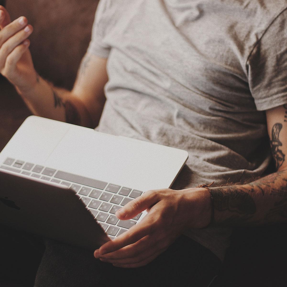 travail à l'ordinateur - douleurs chroniques